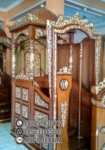 Mimbar Masjid Dari Kayu Ukiran