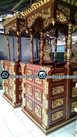 Mimbar Masjid Kubah Emas Terbaru