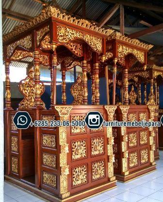 Mimbar Pada Masjid Ukiran Mewah