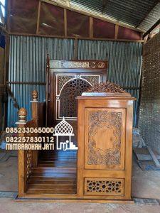 Podium Mimbar Ukiran Kaligrafi Pesanan Masjid Sukabumi