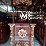 Podium Mimbar Masjid Ukiran Kaligrafi Atap Kubah Masjid Agung Purbalingga