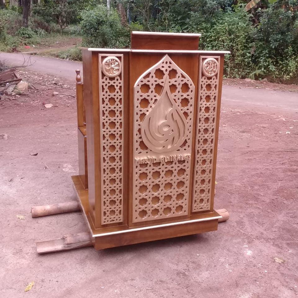 Mimbar Kayu Podium Minimalis Masjid Agung