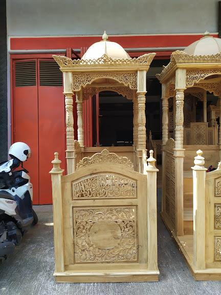 Mimbar Ukiran Masjid Di Brebes