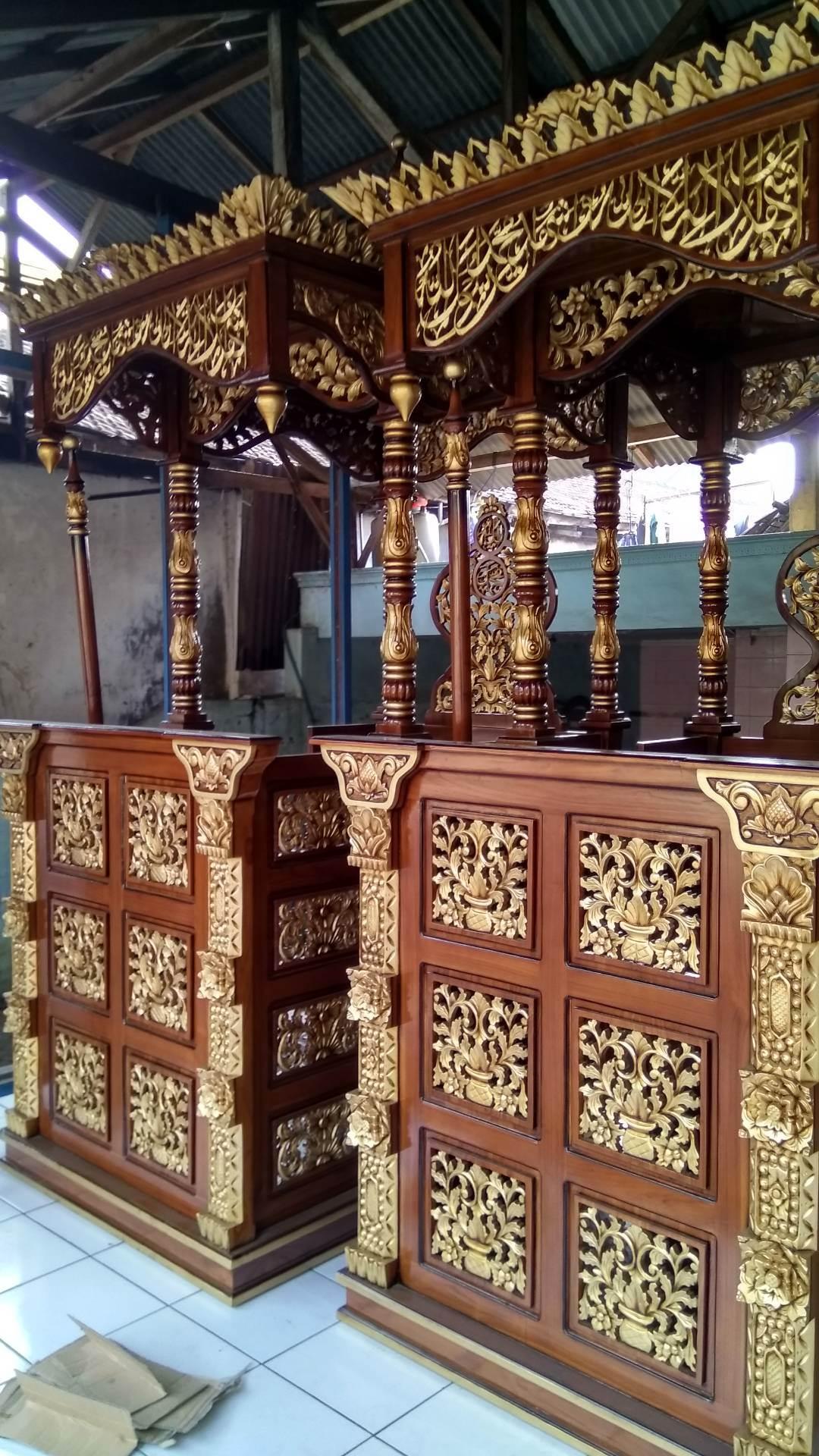Podium Mimbar Khutbah Masjid Ukuran Besar Classic Kayu Jati