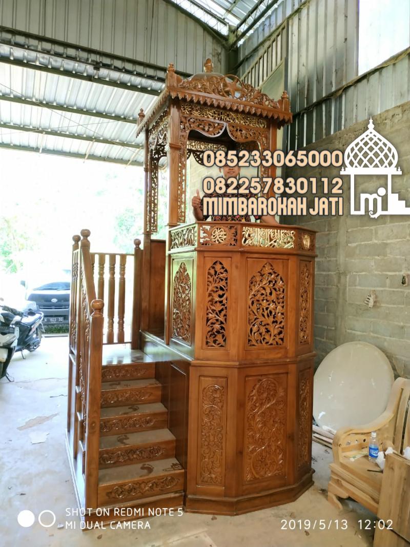 Podium Mimbar Khutbah Masjid Ukuran Besar Klasik Jati Jepara